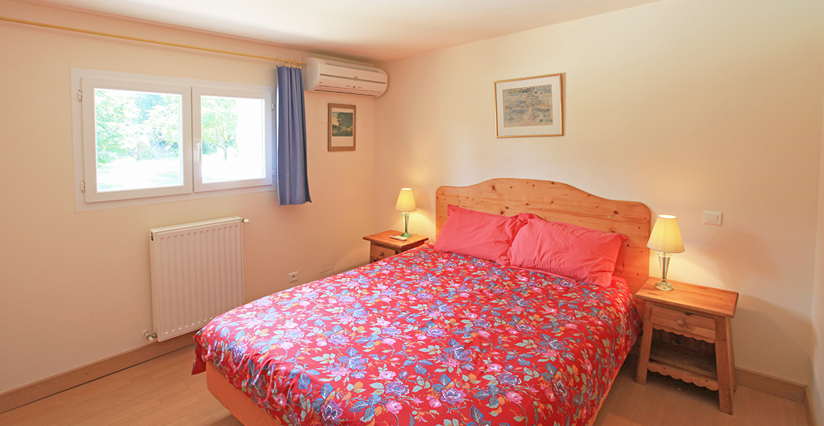 Air conditioned double bedroom 2