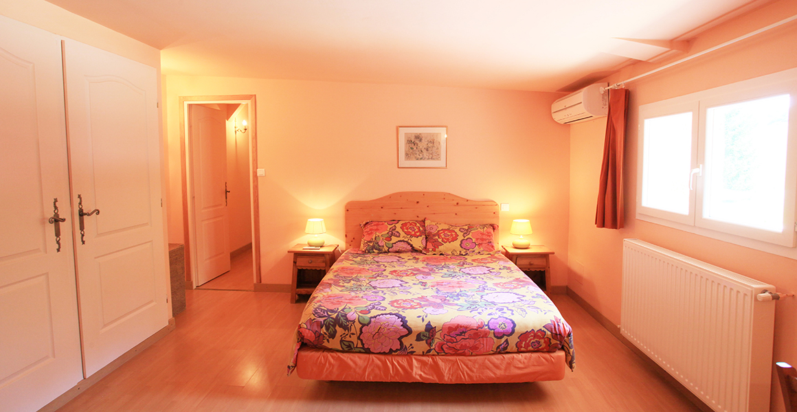 Air conditioned double/family bedroom 3