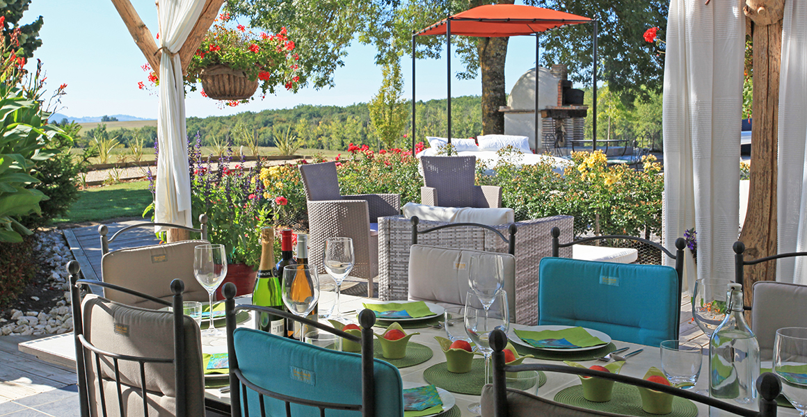 You'll want to dine outside