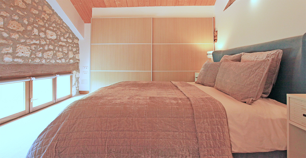 Barn super king bedroom
