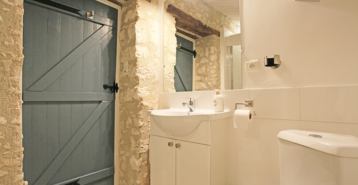 Cottage double bedroom en suite shower room and WC
