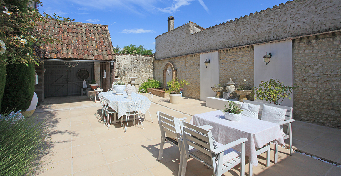 The inner courtyard, ideal for entertaining
