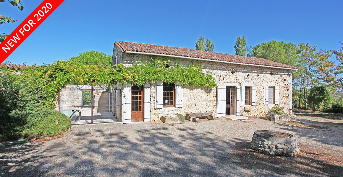 La Métairie with private pool, set in peaceful countryside